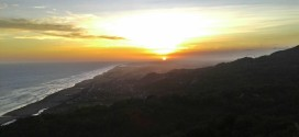 Menikmati Romantisme Sunset Di Parang Endog