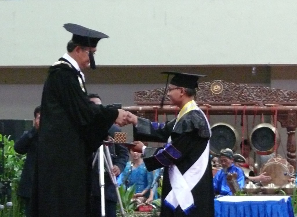 WISUDA UNY PERIODE AGUSTUS 2015