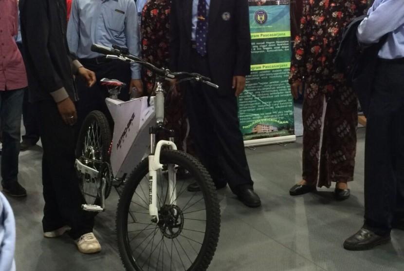 Sepeda Listrik Kreasi Mahasiswa UNY Berbasis Android